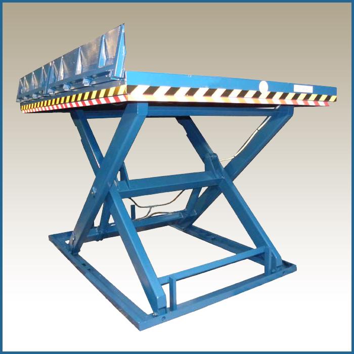 Одноножничный подъемный стол для склада