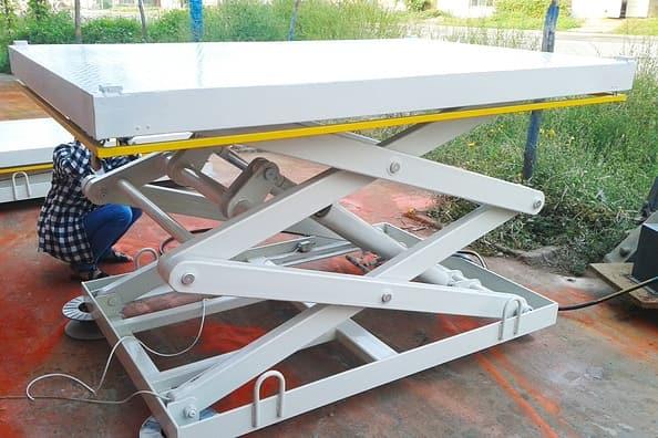 двухножничный подъемный стол для паллет