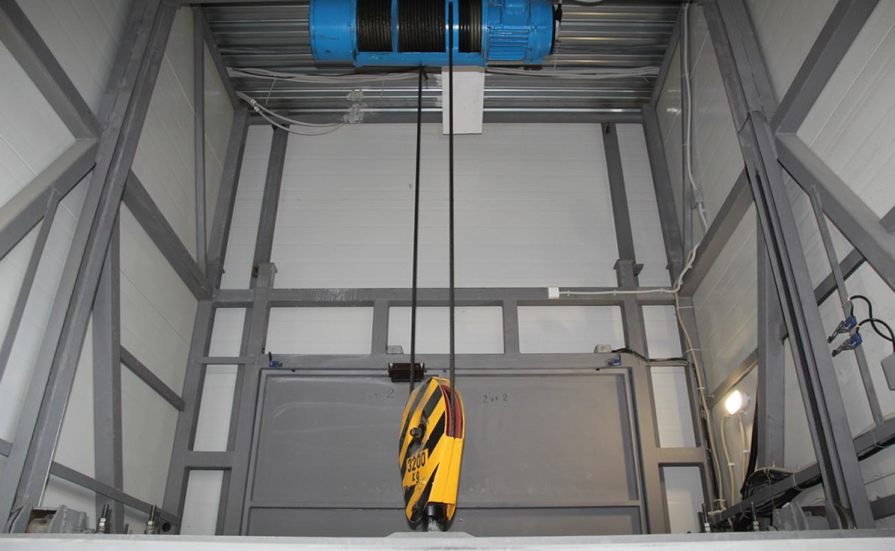 электротельфер для грузового шахтного подъемника