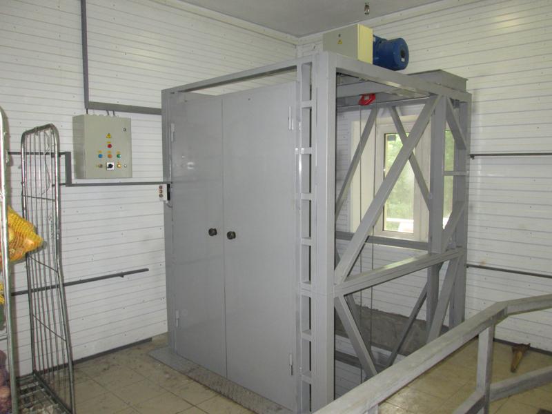 грузовой подъемник в шахту лифта