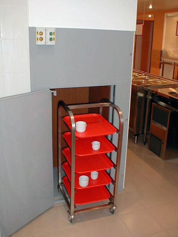 Малый грузовой лифт для пищевого производства