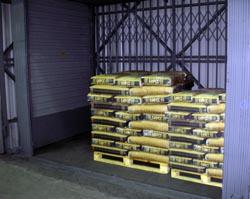 Установка грузового подъемника