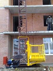 строительные мачтовые подъемники