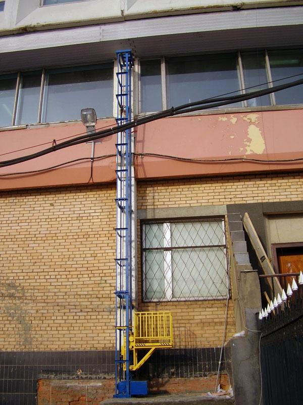 Строительный лифт